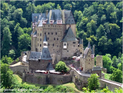 lower burgschanke at burg eltz