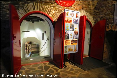 entrance to the treasury at burg eltz