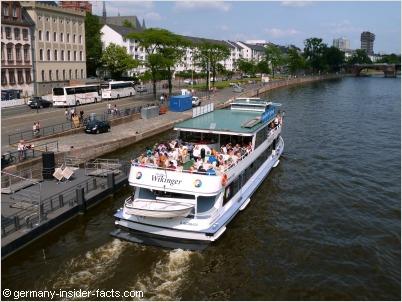 cruising boat in frankfurt