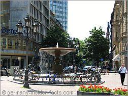 lively kaiserplatz square in frankfurt