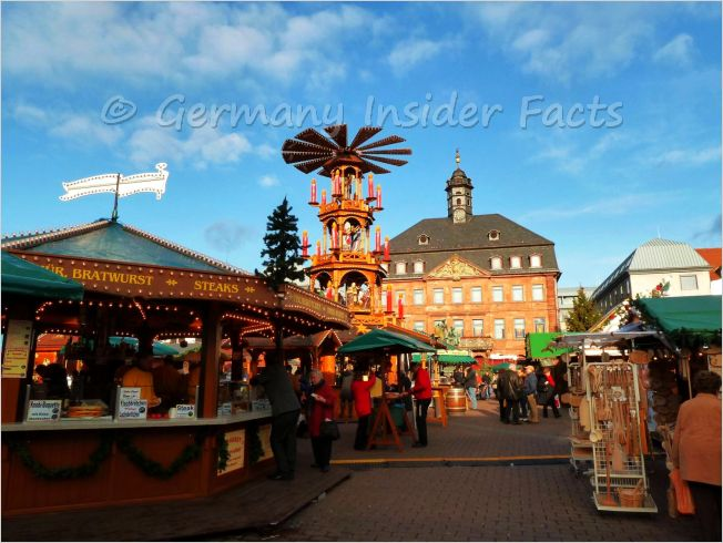 town square with christmas stalls in hanau