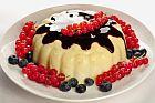 vanilla pudding with fruits