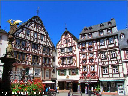 half-timbered houses in bernkastel