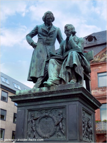 grimm brothers memorial hanau