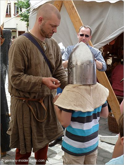 Lamboyfest Hanau knights helmet