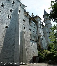 facade of neuschwanstein