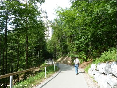 walk to neuschwanstein
