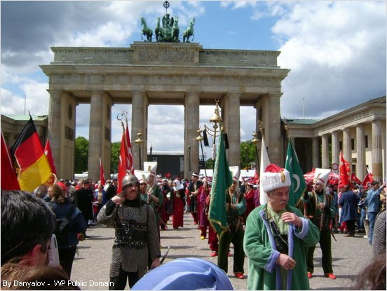 parade of turkish people in berlin