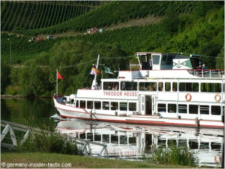 passenger boat on the mosel river
